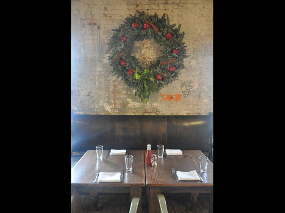 soho-kitchen-wreath